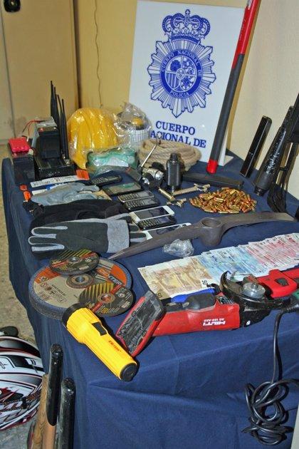 Desarticulada una organización criminal itinerante especializada en robos a concesionarios de coches