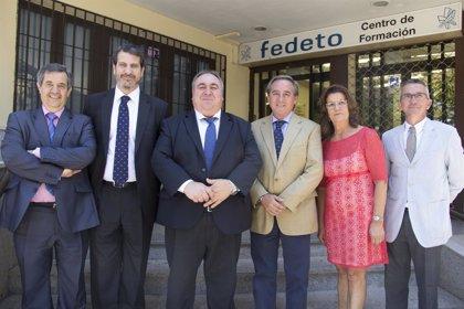 El presidente de las Cortes muestra su disponibilidad para apoyar al tejido empresarial toledano