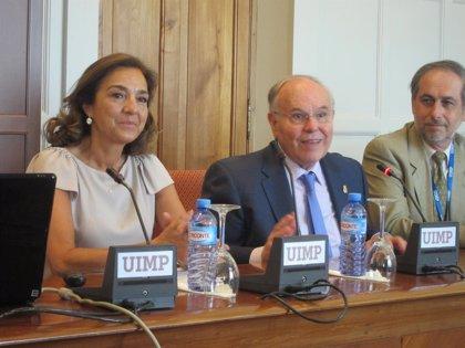 """UIMP.- Carmen Vela asegura que el Gobierno trabaja para que el presupuesto de I+D+i se estabilice """"al alza"""""""