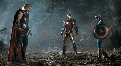 Iron Man, Thor y el Capitán América, en el rodaje de Los Vengadores 2