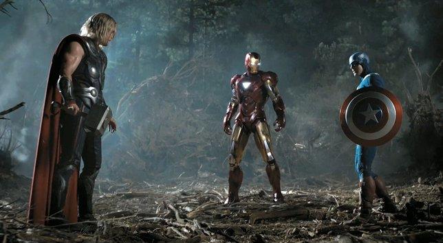 Thor, Iron Man y el Capitán América en Los Vengadores