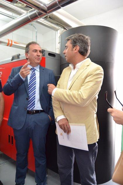 Córdoba.-Sostenible.- La Diputación fomenta el uso de la biomasa con una caldera en un colegio de Encinas Reales
