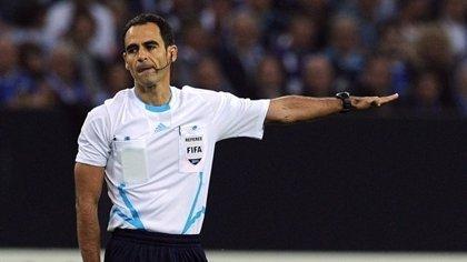Velasco Carballo, designado para arbitrar el viernes el Uruguay-Inglaterra