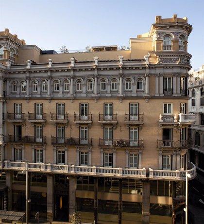 Hotel Las letras se engalana para la coronacion de Felipe VI