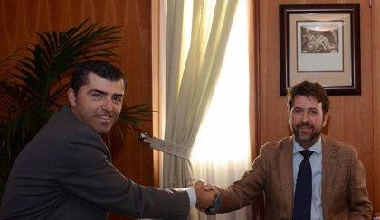 Alonso y Domínguez insisten en la necesidad de consenso en la obra del muelle deportivo de Puerto de la Cruz