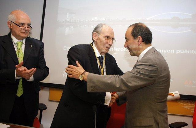 Investidura de Juan José Arenas