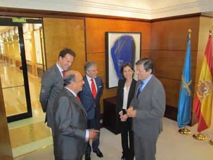 Javier Fernández y Emilio Botín mantienen un encuentro institucional