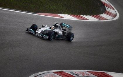 Mercedes vuelve a postularse como claro favorito