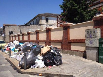 Plantón de la dirección de Urbaser al comité de huelga y al mediador en Lugo