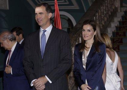 Felipe y Letizia acuden a su primer acto oficial juntos como Reyes