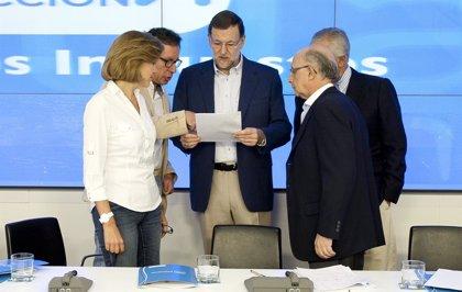 """(AM) Rajoy anuncia una rebaja """"inmediata"""" en las retenciones a los autónomos y que no se subirá el IVA"""