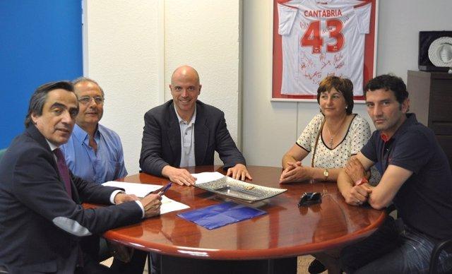 Encuentro de Calderón y Soler con representantes del Tropezón