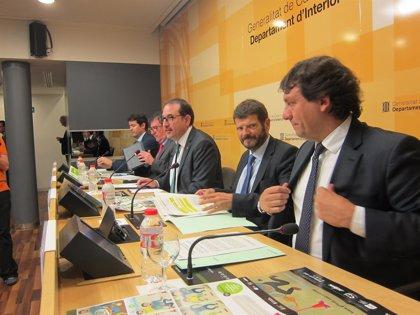 Despliegan en Sant Joan 4.000 mossos y bomberos
