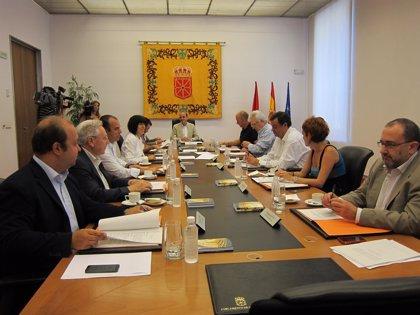 Mesa y Junta debatirán una declaración para felicitar a Felipe VI