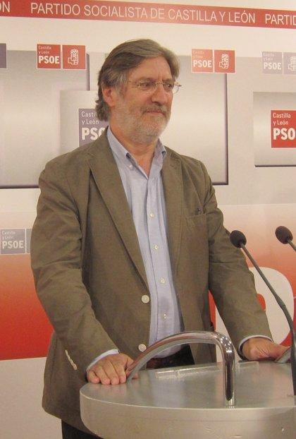Pérez Tapias presenta en Cádiz y Sevilla su candidatura en sendos encuentros con militantes
