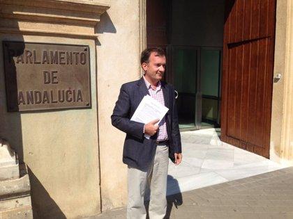 """Herrán (UPyD): """"PP, PSOE e IU nos toman por idiotas, nos venden lo bueno del escaño 110 pero se pliegan a sus intereses"""""""