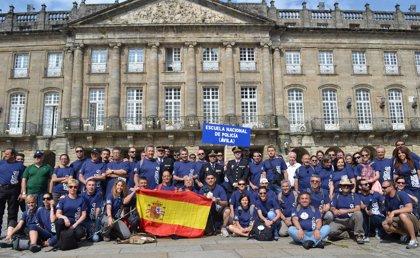 La Escuela de Policía acaba el Camino de Santiago