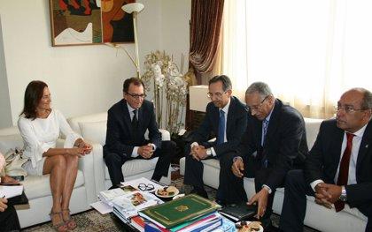 Marruecos desea potenciar las conexiones marítimas y aéreas con Canarias