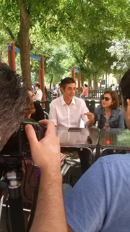 Eduardo Madina durante un encuentro con militantes del PSOE en Madrid