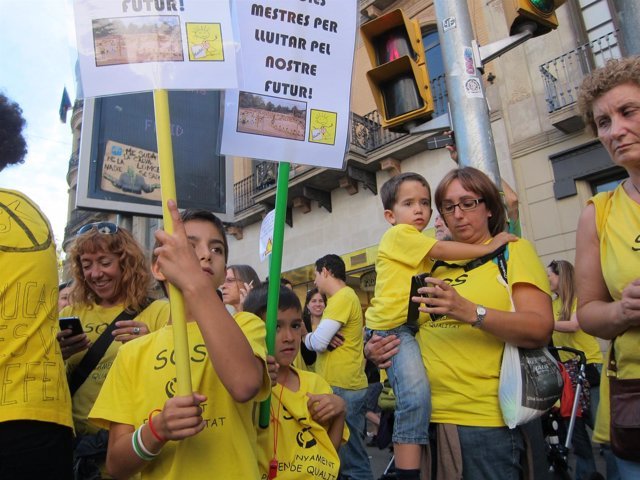Manifestación contra la Lomce y los recortes en Barcelona 24O ley Wert