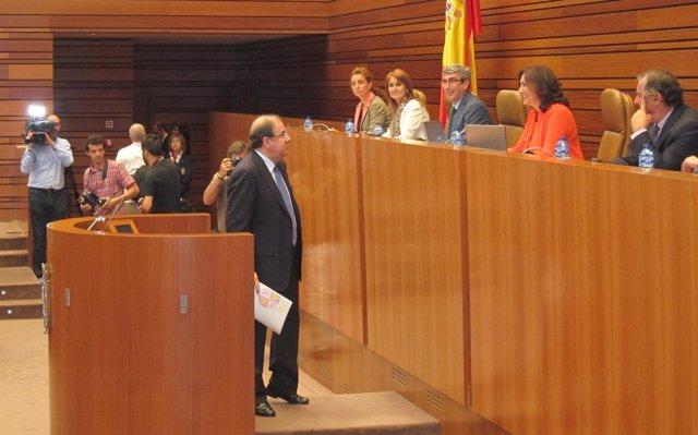 Juan Vicente Herrera antes de iniciar su intervención en el Debate