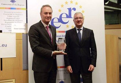 """Fabra recoge el Premio a la Comunitat como Región Emprendedora Europea y destaca su """"enorme potencial empresarial"""""""
