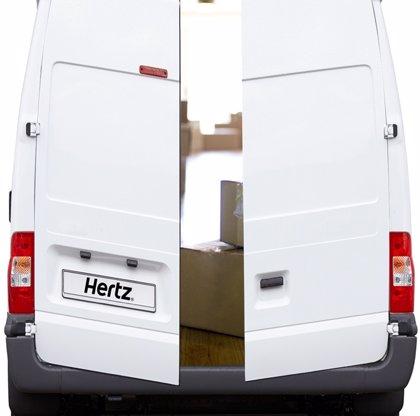 Hertz ha ampliado en un 162% su red de vehículos comerciales en España en el último año