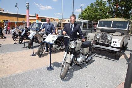 Getafe acoge una exposición de 18 vehículos antiguos de la Policía Nacional del periodo 1964 a 1991