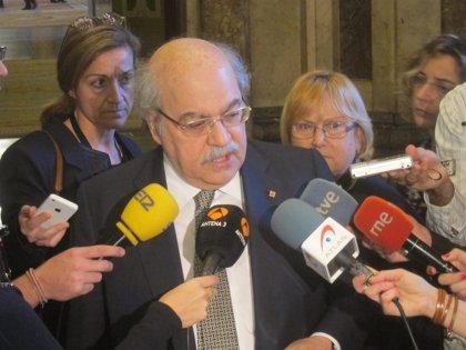 """Mas-Colell admite que el escenario """"ideal"""" es que en 2015 los funcionarios cobren su sueldo íntegro"""