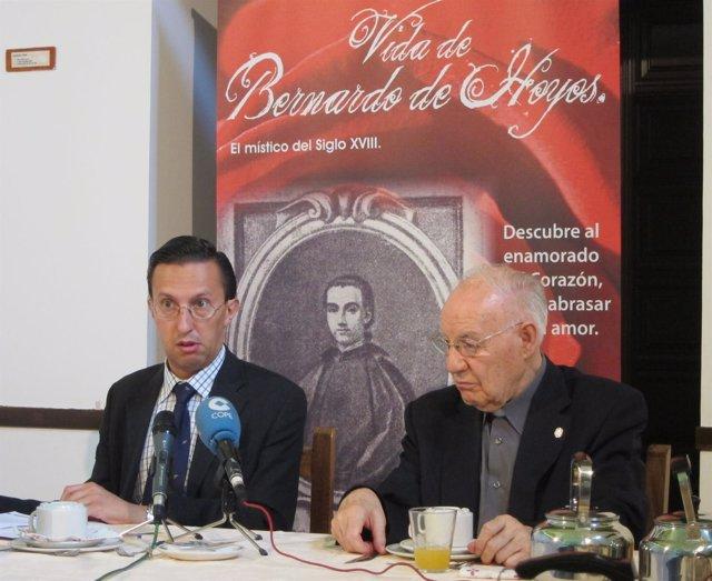 Javier Burrieza y Vicente Vara presentan 'Vida de Bernardo Hoyos'