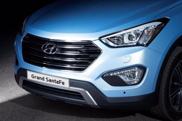 Logotipo de Hyundai en el Grand Santa Fe