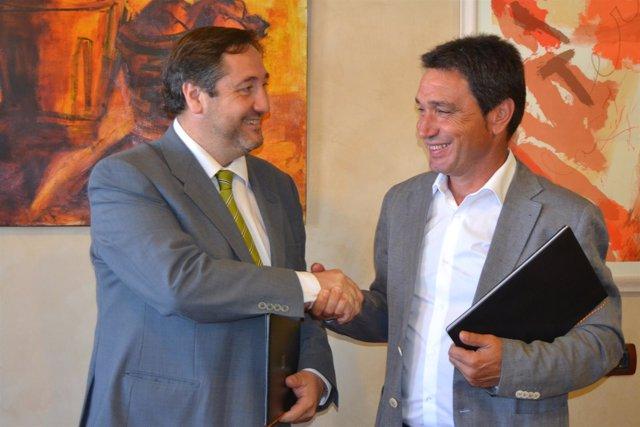 El conseller J.M.Pelegrí y el presidente de la FCAC J.P.Colet