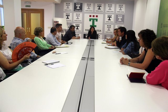 Reunión alcaldesa con directores de colegios