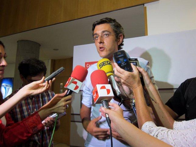 Eduardo Madina, antes de intervenir ante afiliados en Valladolid.