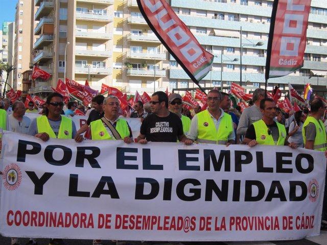 La manifestación 'Cádiz Empleo ¡YA!' a su comienzo