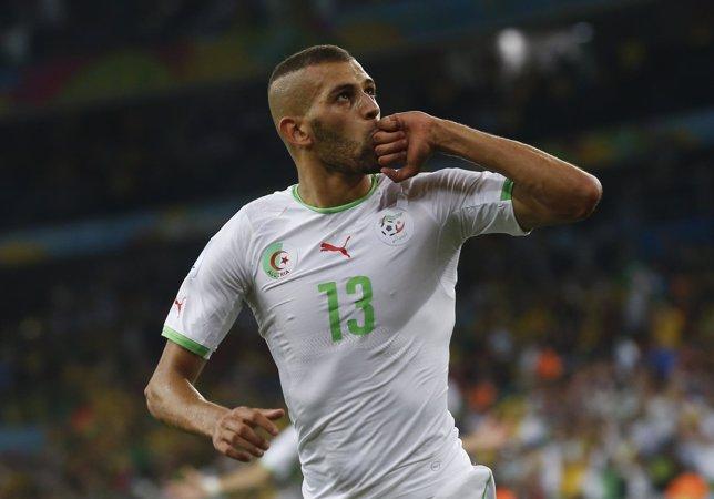 Slimani celebra el gol del empate ante Rusia