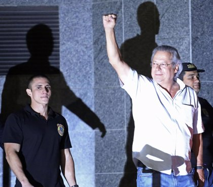 Condenados por el caso 'Mensalão' podrán trabajar fuera de la cárcel