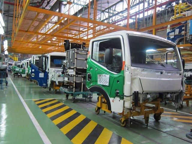 La planta de Nissan en Ávila inicia producción camión NT500