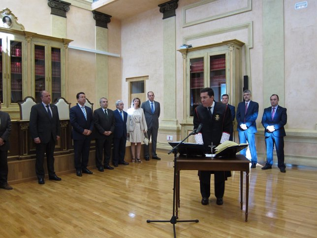 Nevado-Batalla toma posesión en el Consejo Consultivo