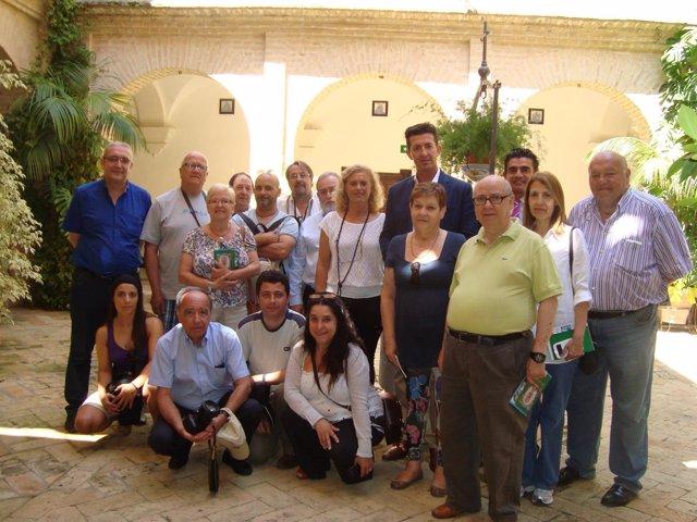 Foto de familia de los peridistas.