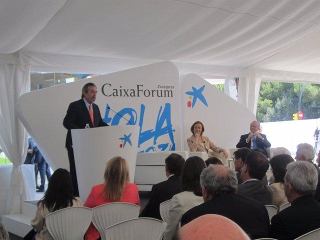 El alcalde de Zaragoza, Juan Alberto Belloch, en la inauguración de CaixaForum.