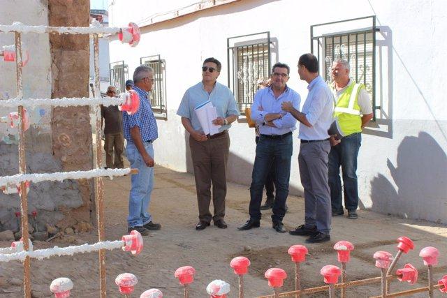 Antonio Gutiérrez Limones durante la visita a las obras del arrabal del Castillo