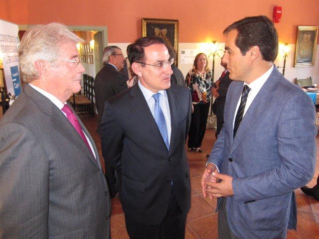 José Antonio Nieto con los presidentes de la CEA y CECO