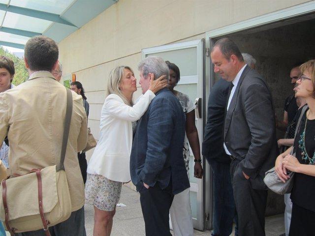 La sobrina de Matute saluda al editor Jorge Herralde