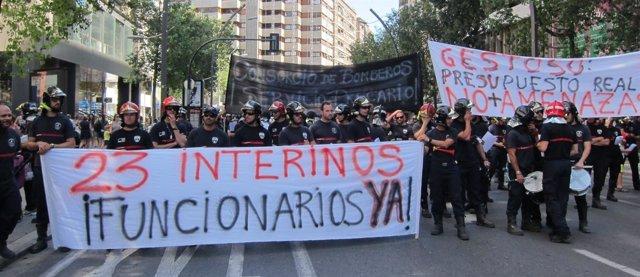 Manifestación de bomberos del CEIS en Murcia