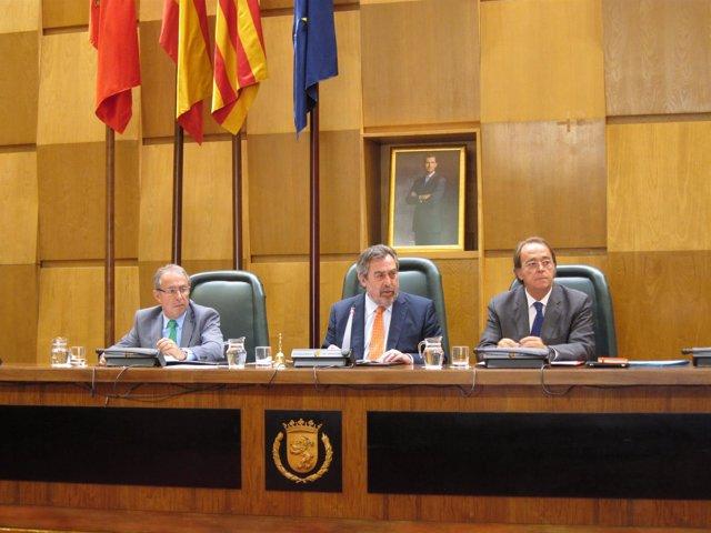 Fernando Gimeno, Juan Alberto Belloch y Pérez Anadón, en el pleno de Zaragoza