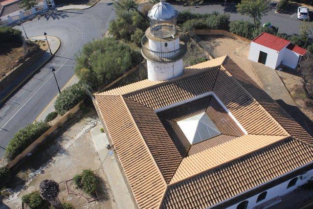 Imagen del faro de El Rompido, en Cartaya (Huelva).