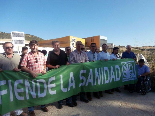 Protesta del PA junto al hospital de La Janda