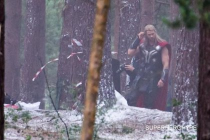 Thor, sobre un gran tanque en las nuevas imágenes del rodaje de Los Vengadores 2