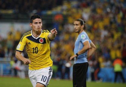 Un soberbio James pone a Colombia en cuartos